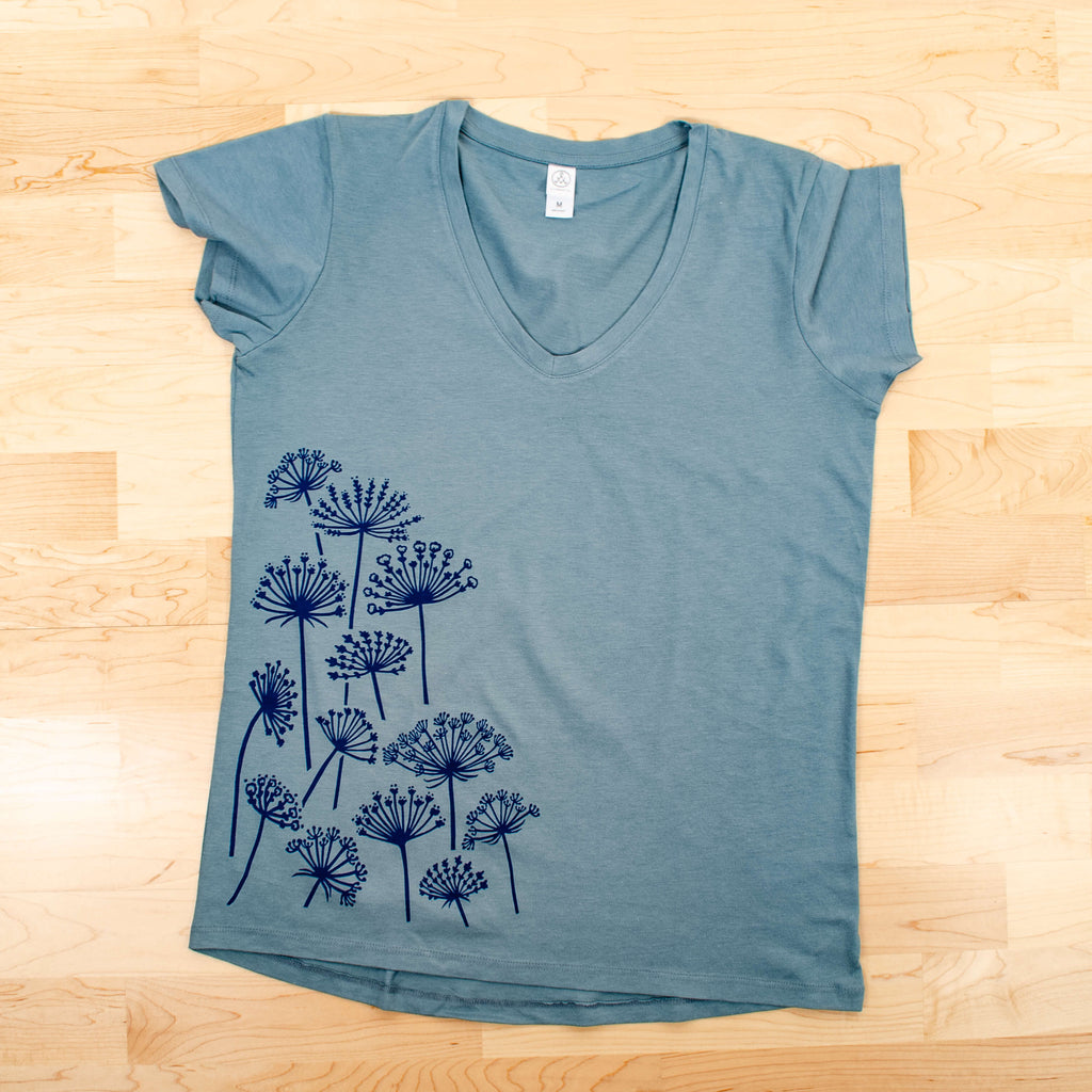 Kei & Molly V-Neck T-Shirt with Queen Anne's Lace Design Flat View
