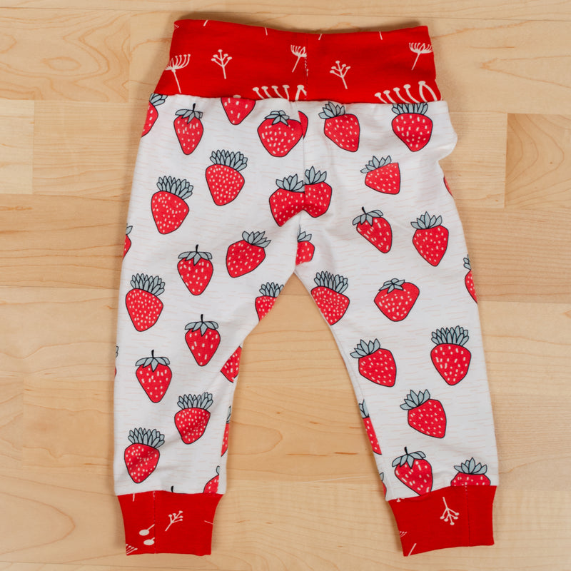 Leggings: Strawberries
