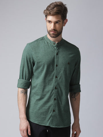 Men Green Regular Fit Solid Casual Shirt