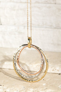 Hammered Metal Three Ring Pendant Necklace (Multi)