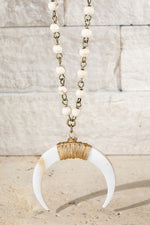 Load image into Gallery viewer, Crescent Horn Necklace