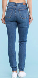Load image into Gallery viewer, Button Fly Skinny Jeans