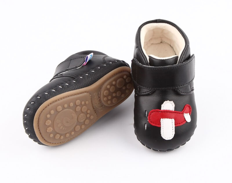Flying baby boots black leather with rubber sole and lining for warmth