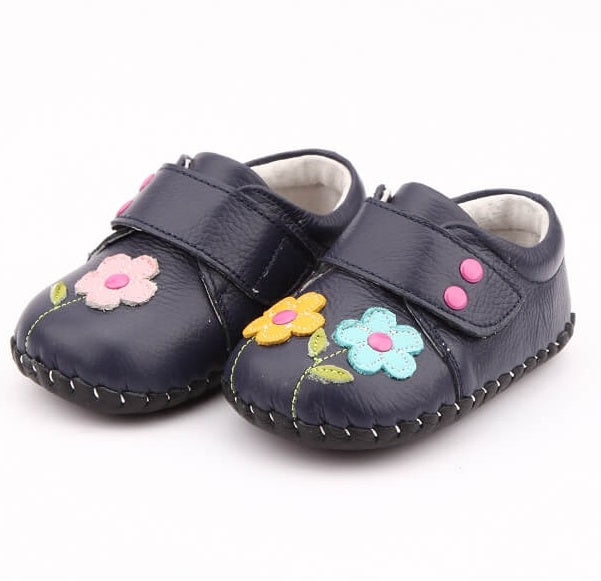 Dahlia baby girl sneakers navy with flower detailing