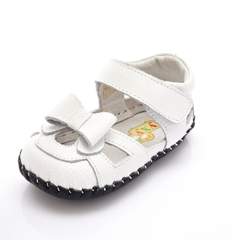 Emma white baby girl sandals with bow