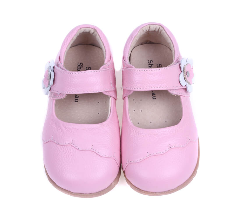 Lacey girls mary jane shoes pink leather front view