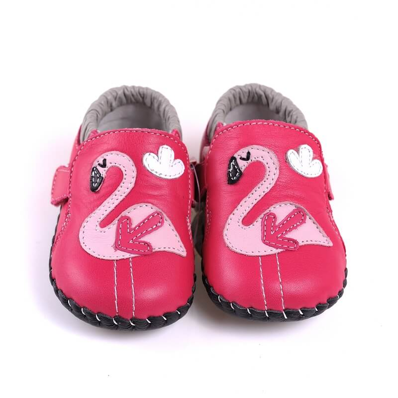 Leather baby girl shoes hot pink with flamingo detail front view
