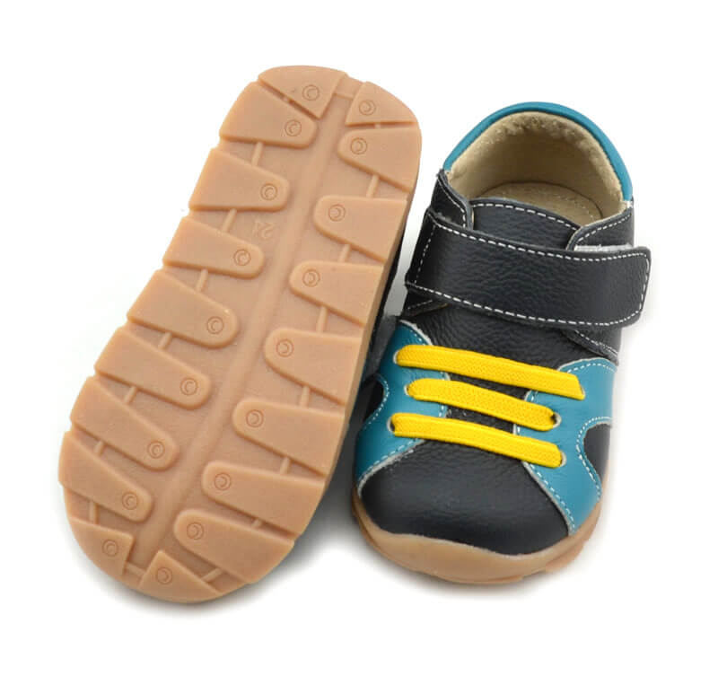 Whippersnapper leather toddler sneakers with flexible rubber sole