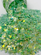 Load image into Gallery viewer, Irish Spring - Mixology Glitter
