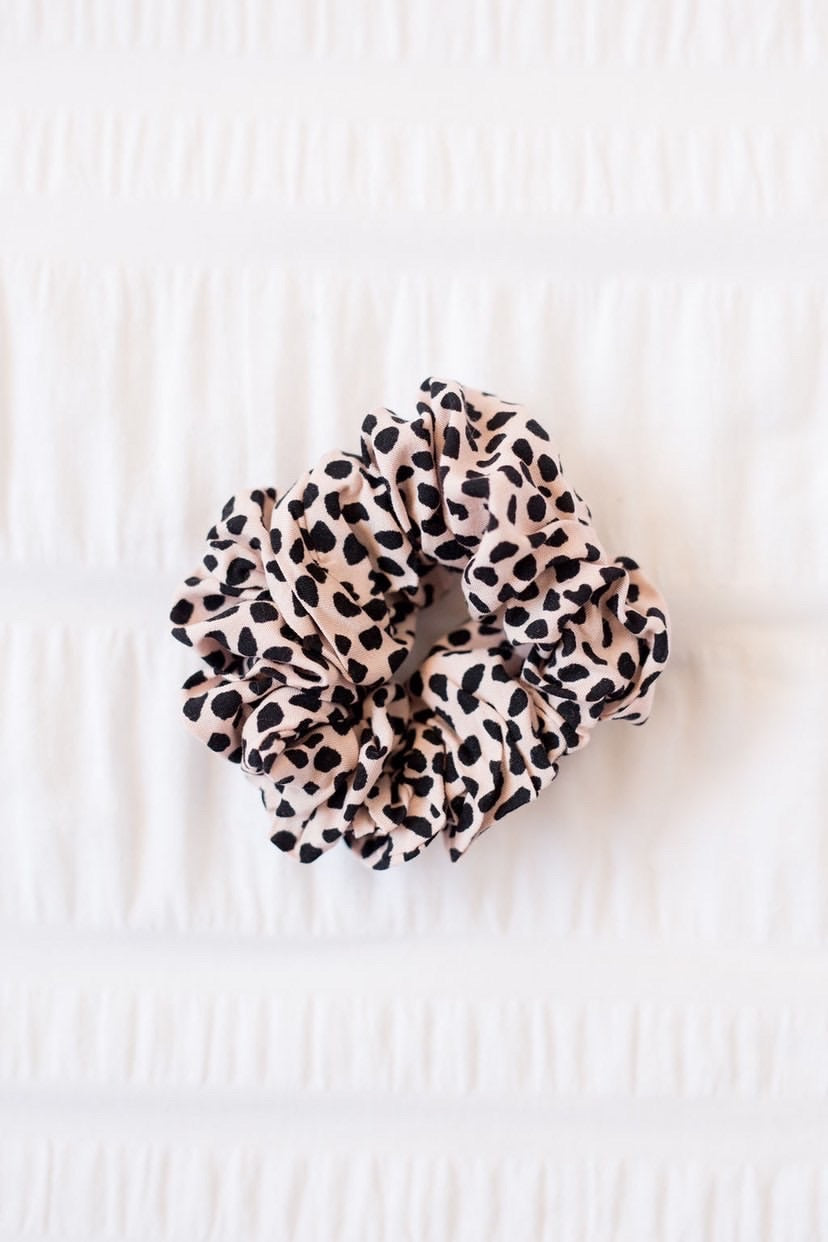 Load image into Gallery viewer, Leopard print scrunchie - Sugar Coat It - Perth Dessert Boxes