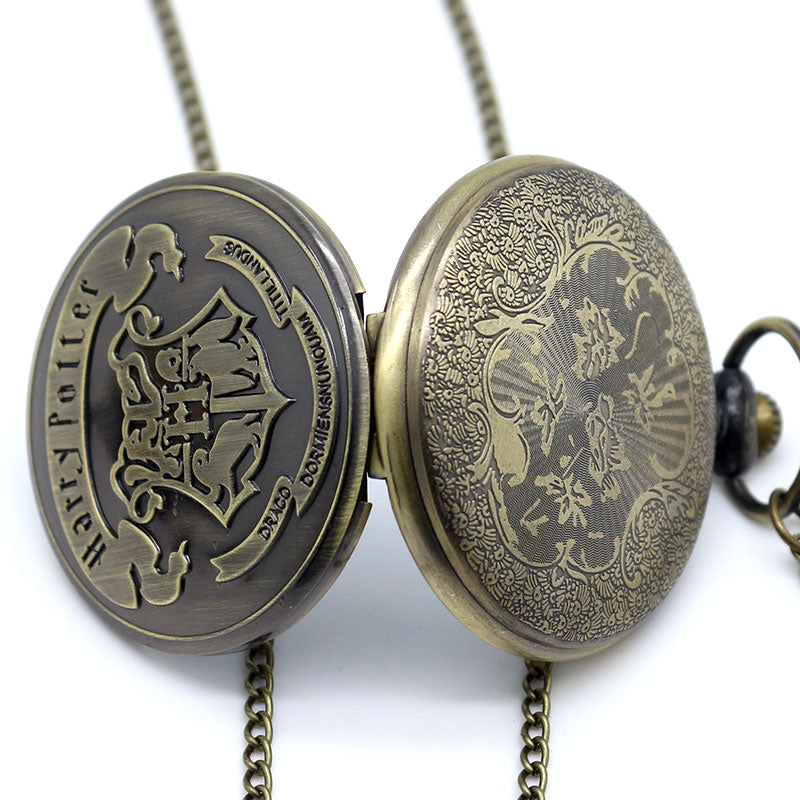 Harry Potter-Hogwarts Emblem Pocket Watch