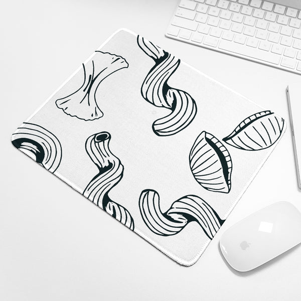 Use Your Noodle Mouse Pad || Black and White Computer / Tech Accessory || - huronshop1