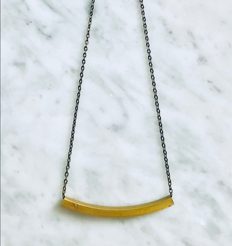 GINSA BOXY BAR NECKLACE
