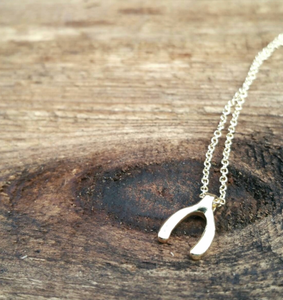 SISAL GOLD WISHBONE NECKLACE