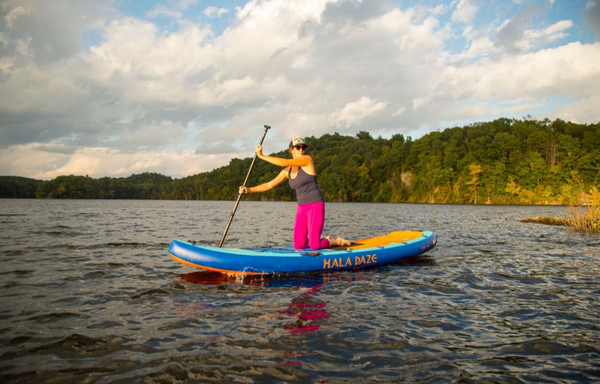 SUP Lake Beginner Paddle Woman