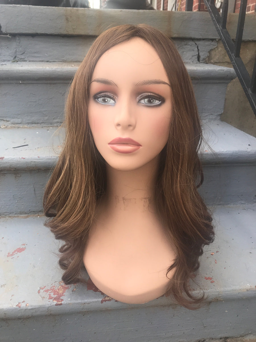 21'' Wavy Light Brown/Dark Blonde Famous Maker Wig 2134/NO TAG