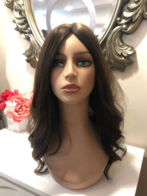 22'' Wavy Brunette Famous Maker Wig 2070/NO TAG