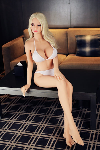 CELESTIA : SEX DOLL STAR AMÉRICAINE CHARMEUSE 165 CM