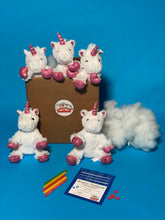 Charger l'image dans la visionneuse de la galerie, White Unicorn Plush Teddy Making Kit
