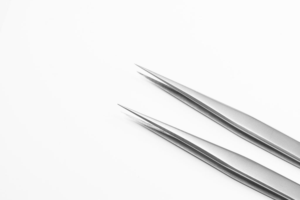 Lavere Essential Collection - Skinny Straight Tweezer