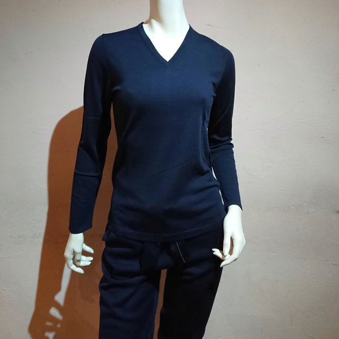 V-neck Sweater (the precious yarn is created by Fibre Nobili in Italy)