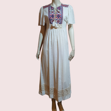 Load image into Gallery viewer, Embroidery Midi Dress