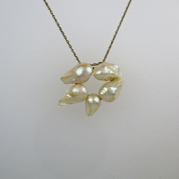 Pearl Oval Necklace