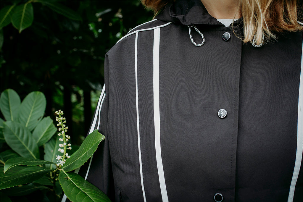 Black and white waterproof kimono