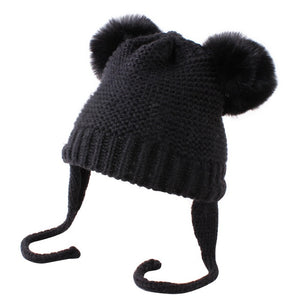 Knitted Pom Pom Beanie - Black