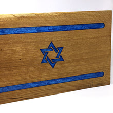 Load image into Gallery viewer, Israel flag bord, oak slap, resin epoxy filled