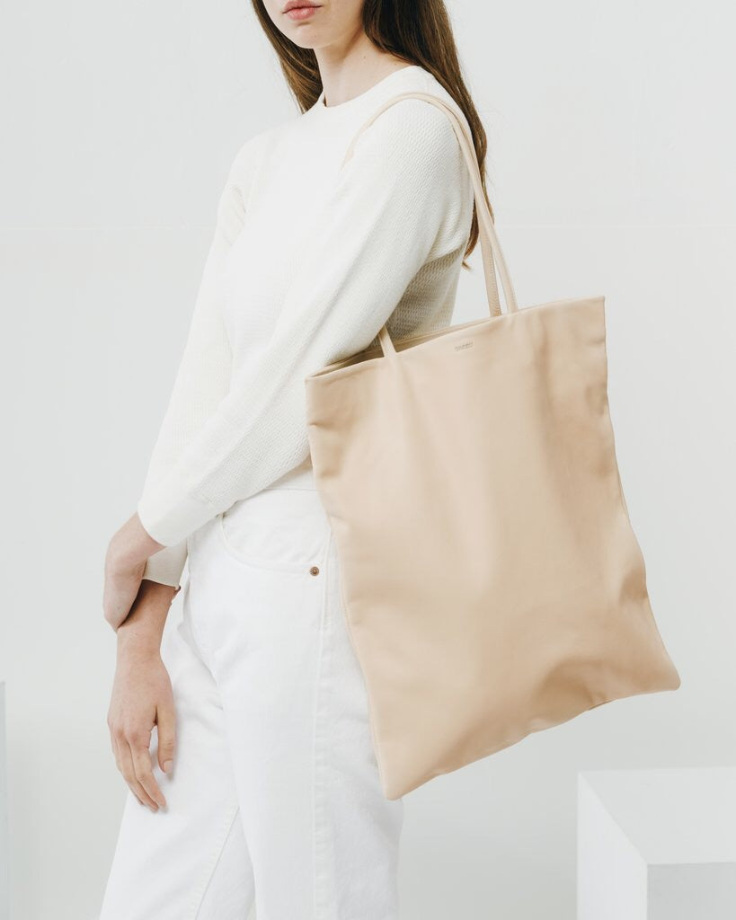 Leather Flat Tote - Natural