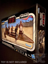 Load image into Gallery viewer, Star Wars The Vintage Collection 3.75 inch Tatooine Skiff Display Case