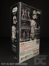 Load image into Gallery viewer, Star Wars Bandai S.H. Figuarts Captain Phasma TLJ Display Case