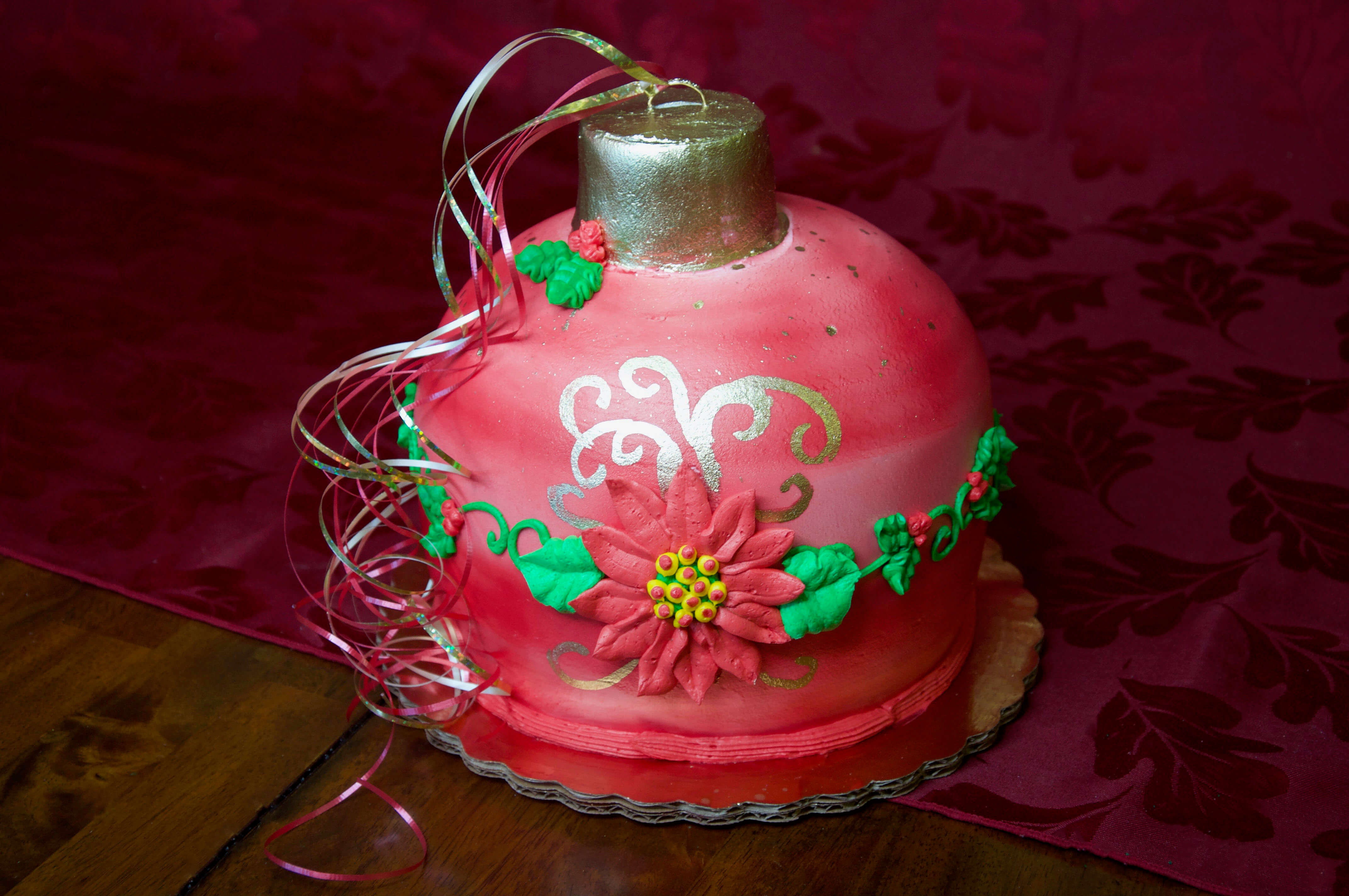 Red Christmas Ornament Cake