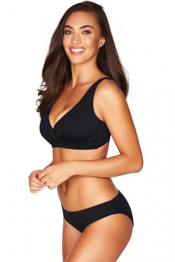 Essentials Cross Front Multifit Black Bra