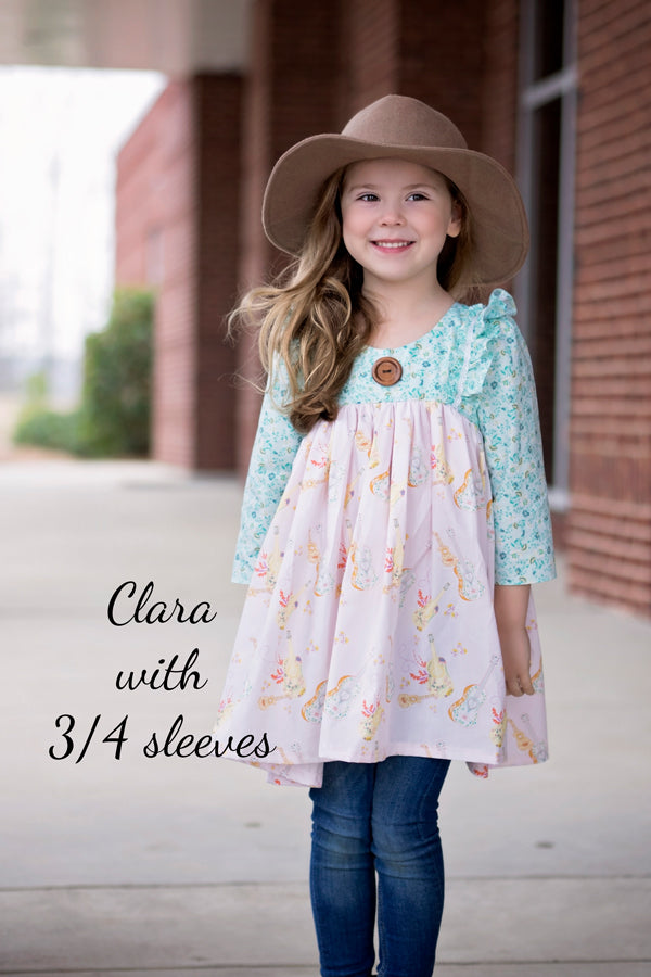 Clara with ruffle and 3/4 sleeve