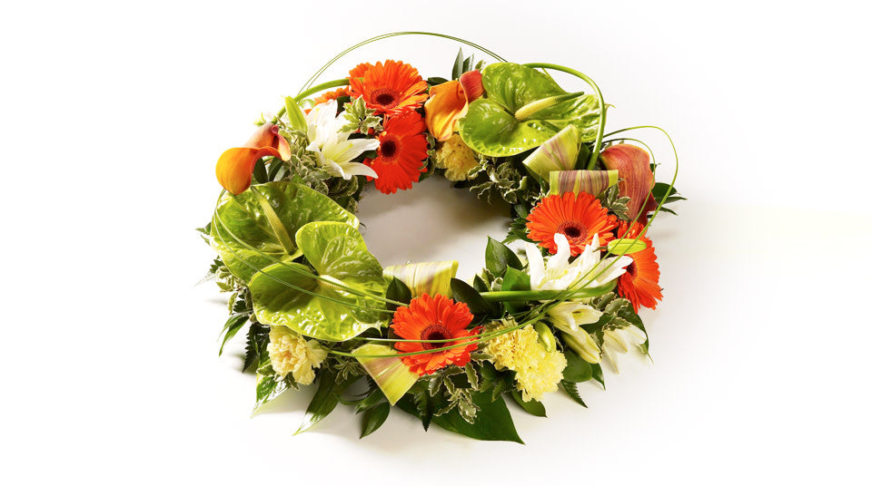 Exotic round wreath