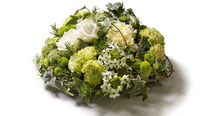 Natural round posy.