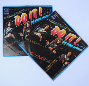 The Three Degrees ‎– Do It! - Set of 2 - 7 inch Vinyl ⭐