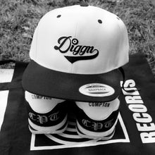 Load image into Gallery viewer, Diggn - Embroidered Snapback hat
