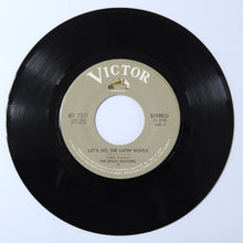 Load image into Gallery viewer, The Disco Hustlers ‎– Let's Do The Latin Hustle / Those were the days - 7 inch vinyl