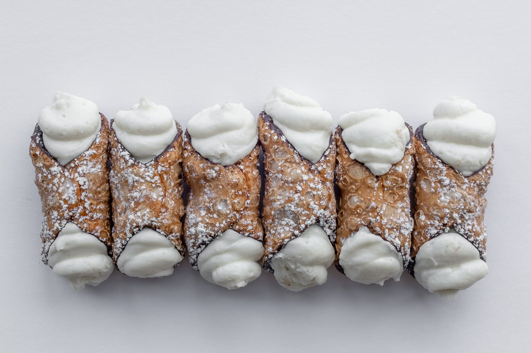 Cannoli - Fresh cream mini filled shells, 6 piece