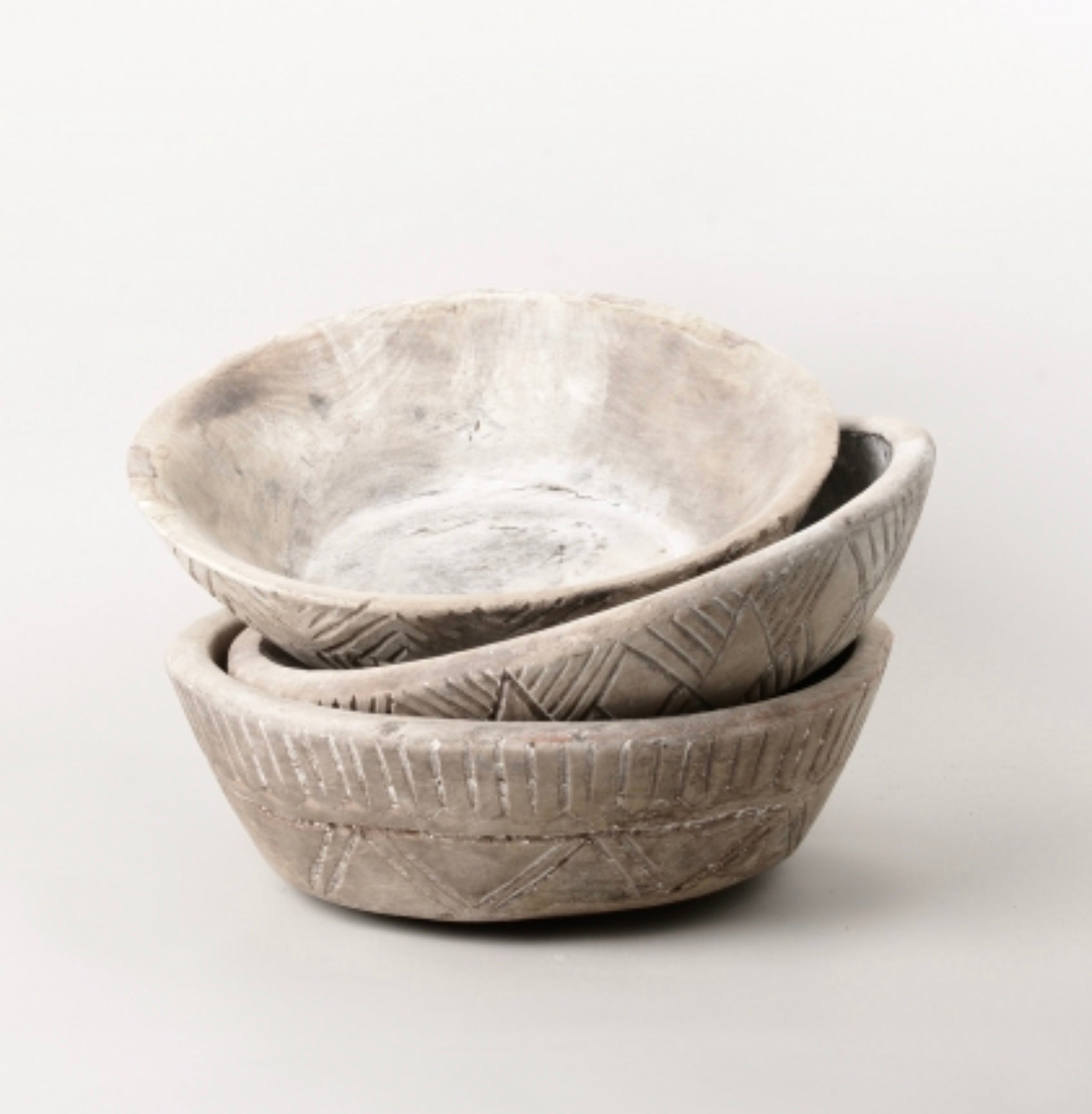 Vintage Wooden Carved Parat / Bowl Deep SKU: ND_89b