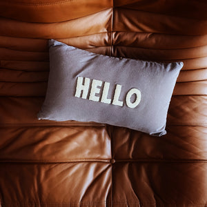 "Coussin rectangulaire ""HELLO"" - Beige/Gris"