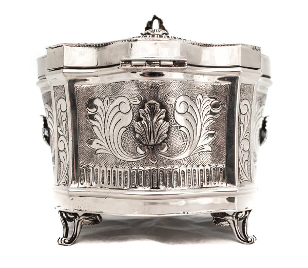 925 STERLING SILVER HAND CHASED LEAF APPLIQUE ORNATE ESROG / JEWELRY BOX
