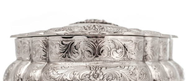 ITALIAN 925 STERLING SILVER CHASED GARLAND & FLORAL OVAL JEWELRY / ESROG BOX