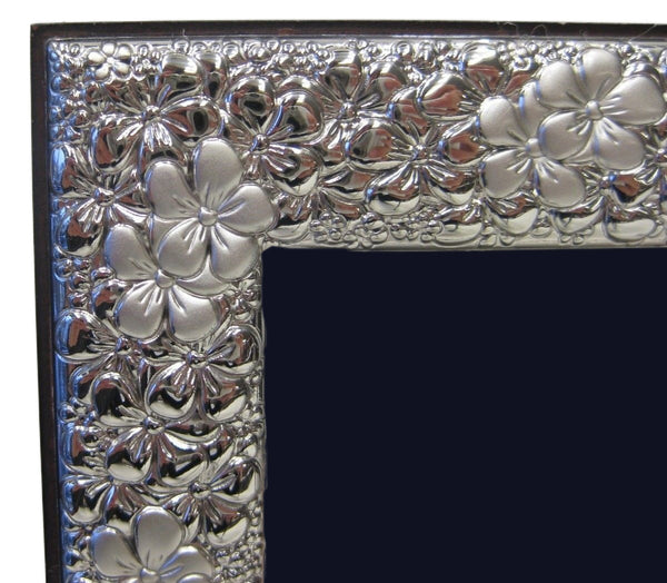 ITALIAN SILVER LAMINATE HANDMADE ELEGANT FLORAL SHINY PICTURE FRAME 7 X 9.50