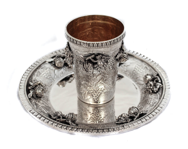 FINE ITALIAN 925 STERLING SILVER HANDMADE CHASED GRAPE APPLIQUE CUP & TRAY