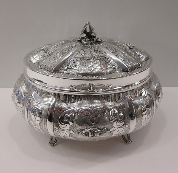 FINE 925 STERLING SILVER HAND CHASED ORNATE SWIRL OVAL MATTE ESROG JEWELRY BOX