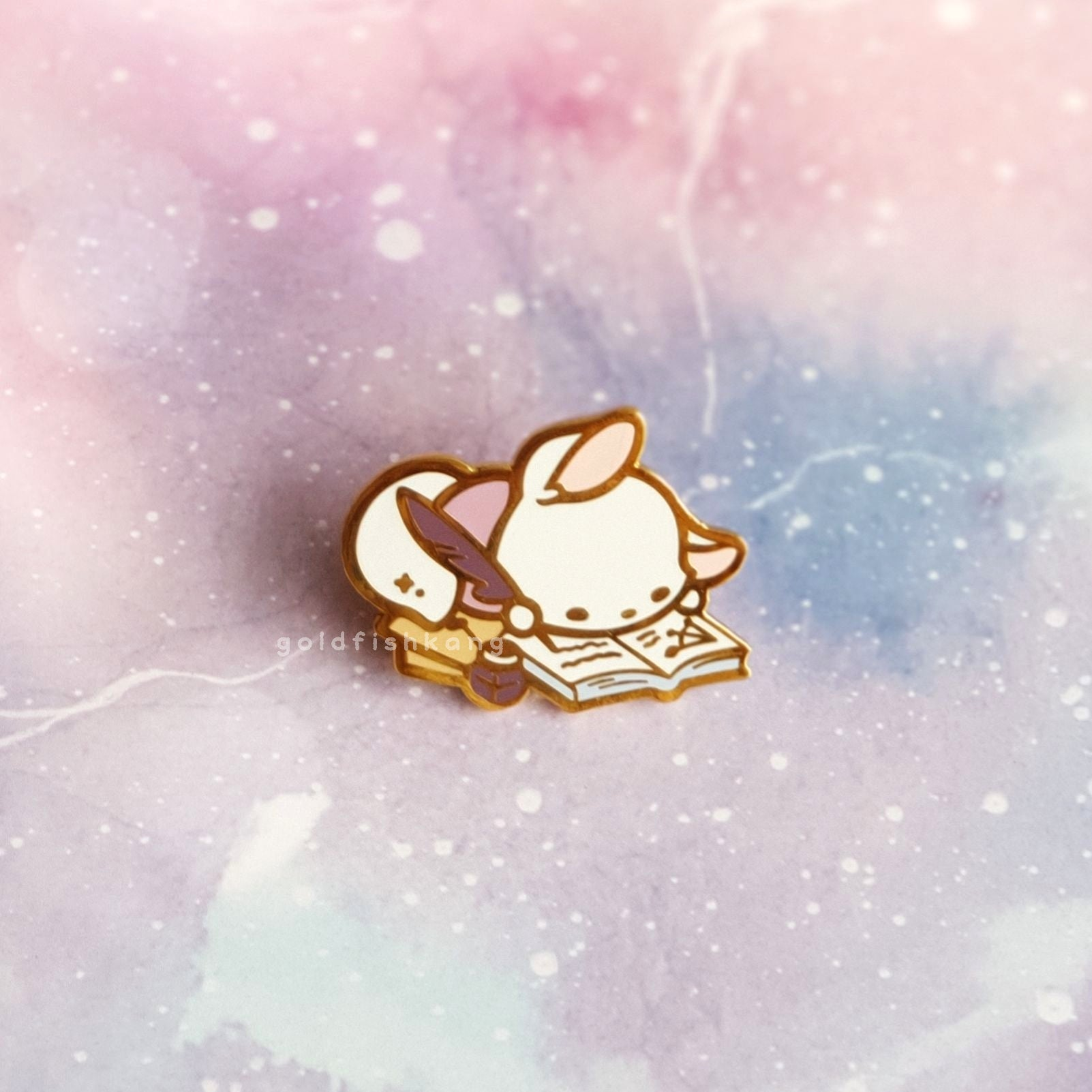 Reynard Manor Pin: Luna - Goldfishkang